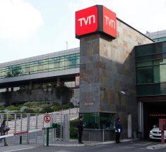 Sindicatos repudian propuesta de la UDI de vender TVN